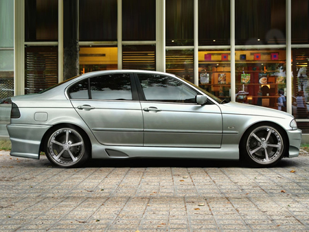 3712-NEW-Ibherdesign-Tarchon-Side-Skirts-BMW-E46.jpg