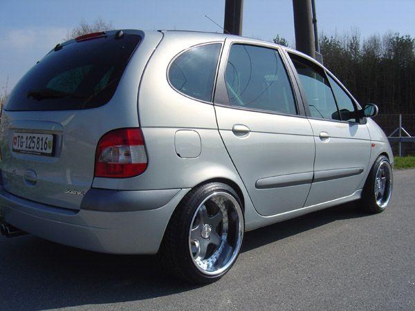 Renault-Scenic--208574.jpg