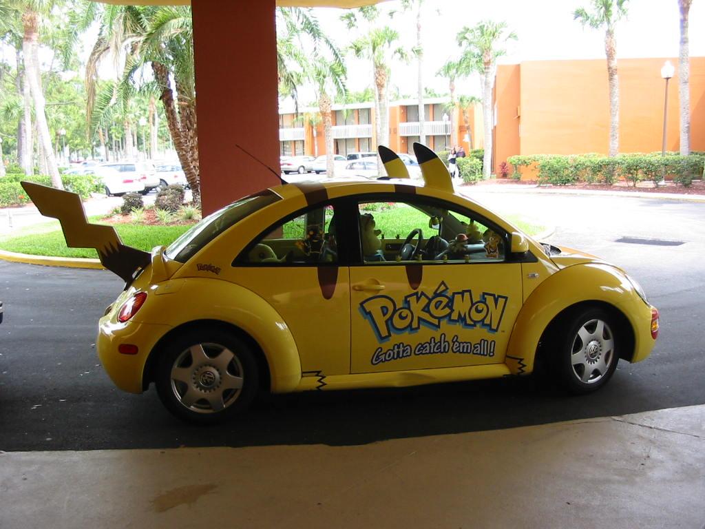 Pikachu_car_by_sweetlittlecherry.jpg