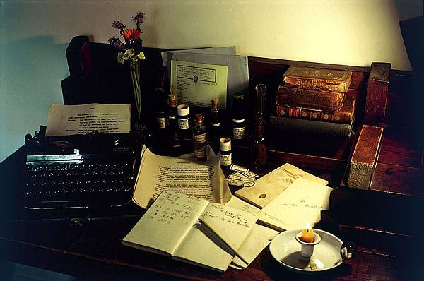 《花精療法創始人Bach醫師原著語錄》 摘錄「自我療癒 Heal Thyself 」第一章