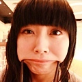 最近迷上用筷子做怪表情。