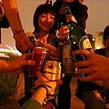 乾杯,以後也要像現在一樣單純快樂。