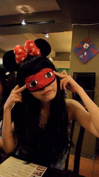 喔喔喔,我也想要做這個眼罩!!XD