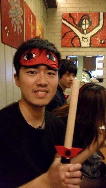 你們知道這個警棍是山哥自己做的嗎?