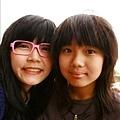 小堂妹宛諭有個超時尚眼鏡!XD