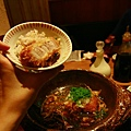 這個醬汁非常下飯,米飯還是傳說中的越光米。
