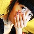 素顏的臉不重要看我的手就好了。