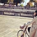 12。【巴黎小秘密】:塞納河畔的單車 (1).jpg