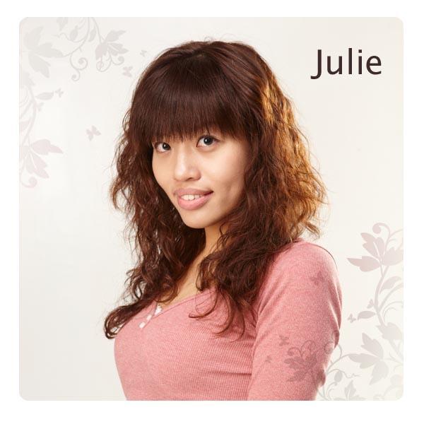 Julie-00.jpg