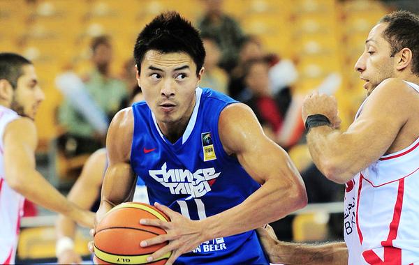 他是台灣最接近NBA的球員,曾是比姚明更有潛力的亞洲明日之星 (影)