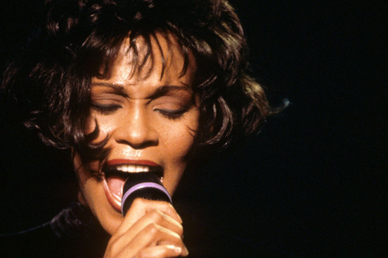 Whitney Houston – Saving All My Love for You 2