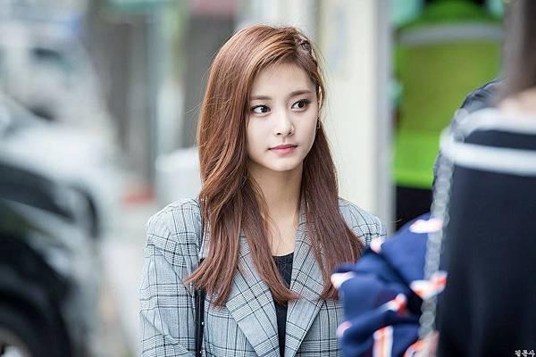 Twice_周子瑜 7