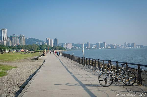 淡水河岸自行車道