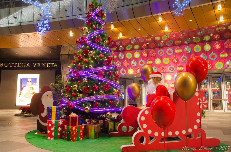 板橋大遠百耶誕熊玩自拍