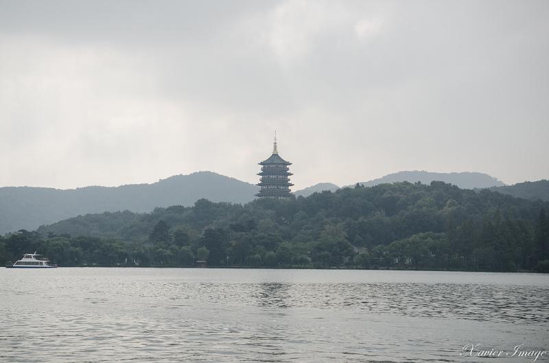 杭州西湖三潭印月_雷峰塔