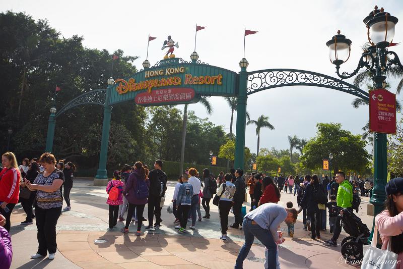 香港迪士尼樂園度假區招牌