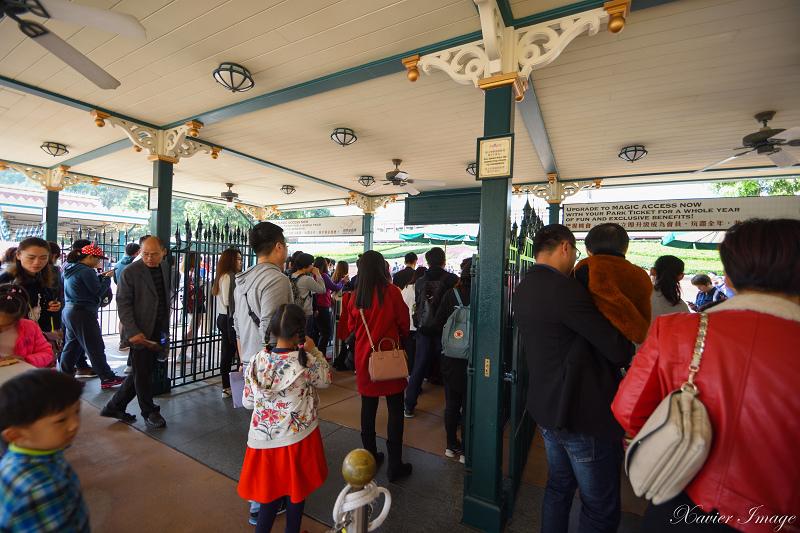 香港迪士尼樂園入口 2