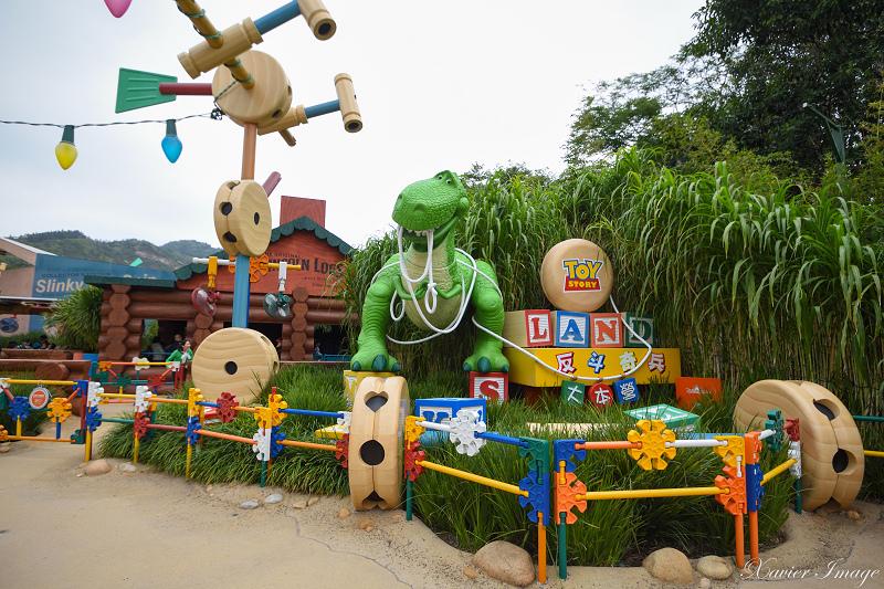 香港迪士尼樂園_反斗奇兵大本營_抱抱龍