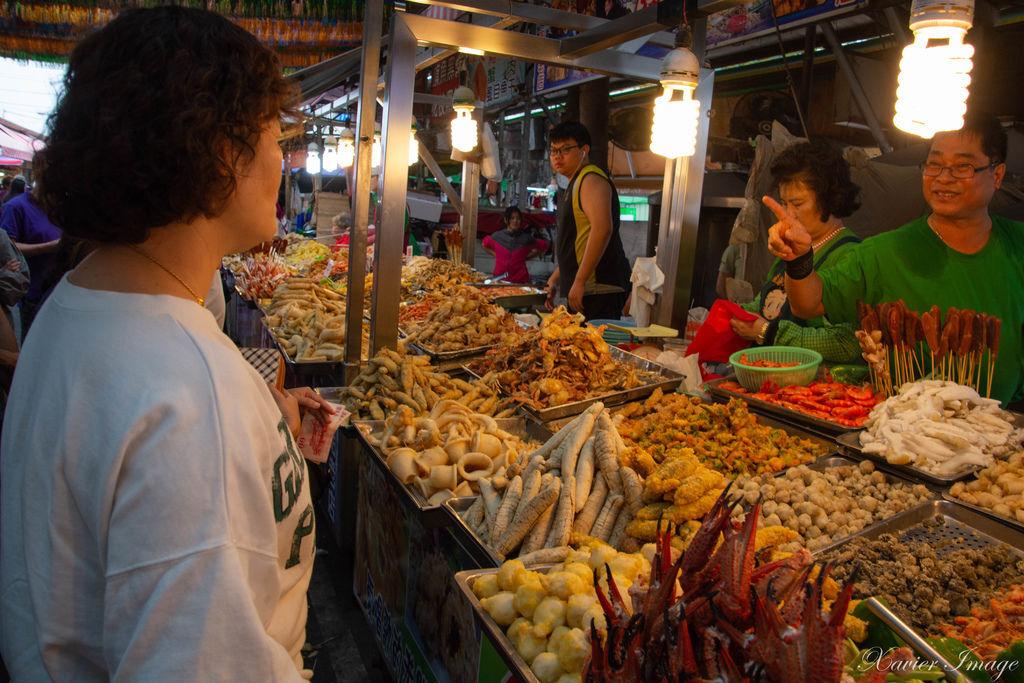 高雄興達港觀光漁市 9