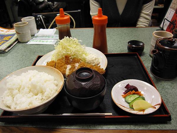 日本炸豬排飯01.jpg