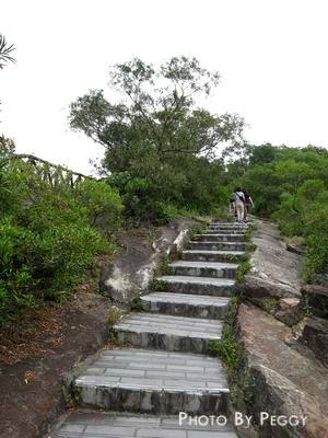 上軍艦岩的階梯