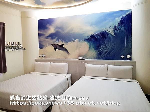 台中商務旅館推薦-安順-房間-海豚衝浪.jpg