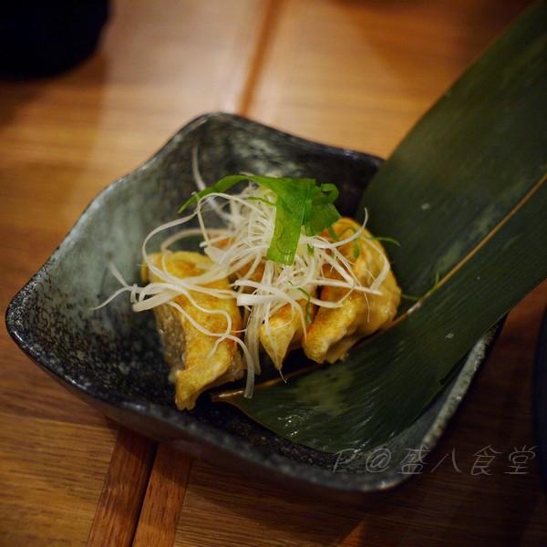 盛八食堂 -- 咖喱餃子