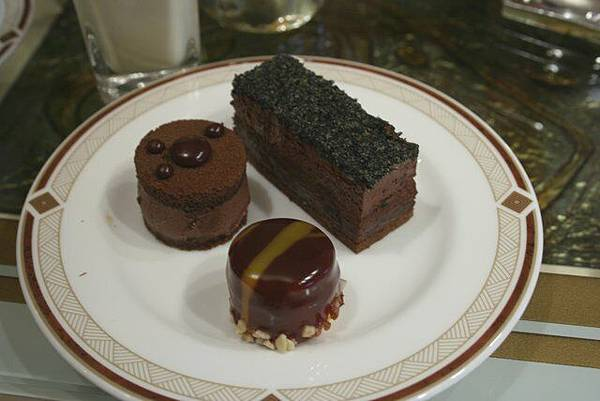 快船廊 -- 各式巧克力蛋糕