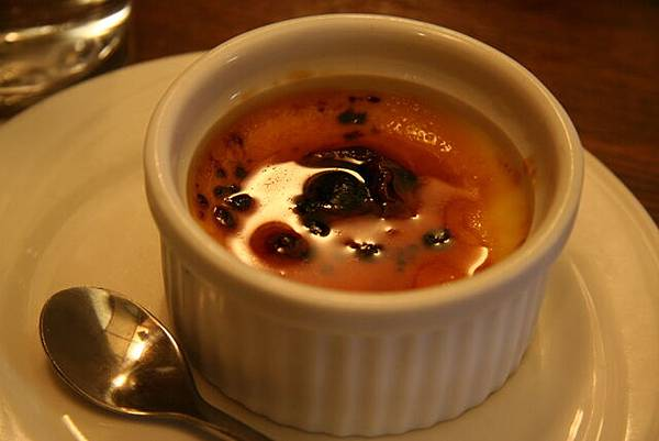 哲學咖啡館 -- 焦糖燉蛋