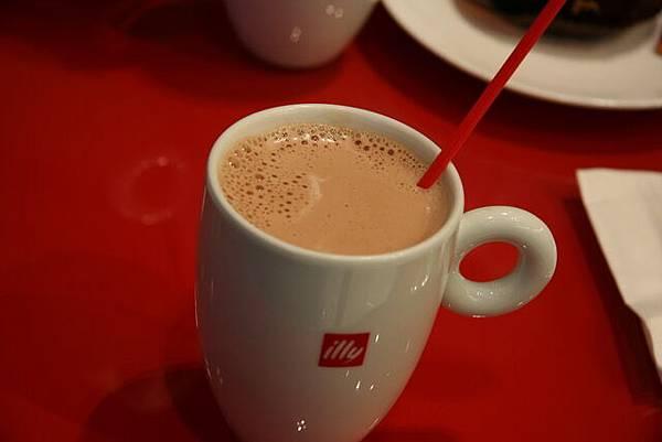 Illy -- 熱巧克力