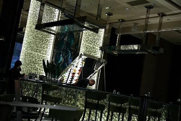 MO Bar -- 酒吧區