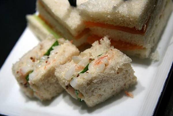 MO Bar -- 小龍蝦三明治