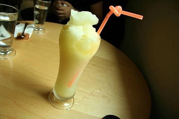 OM Cafe -- 柑桔檸檬冰沙