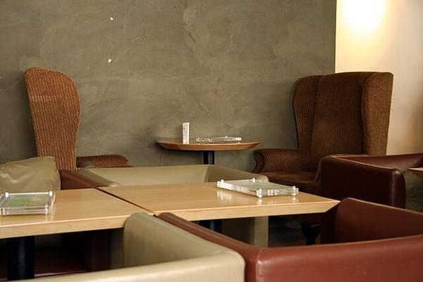 OM Cafe -- 大沙發