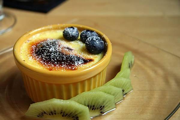 OM Cafe -- 焦糖烤布丁