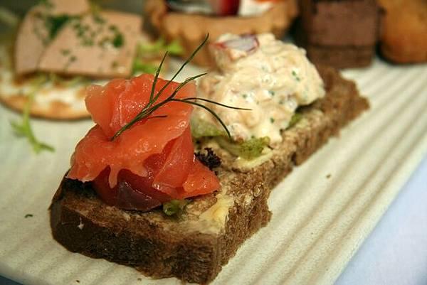 Le Petit Teca -- 燻鮭魚三明治&蟹肉三明治