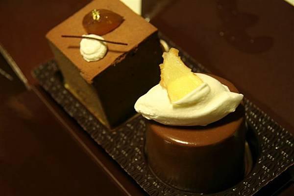 文華餅店 -- 栗子巧克力慕絲蛋糕 & 薑香黑巧克力蛋糕