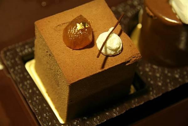 文華餅店 -- 栗子巧克力慕絲蛋糕