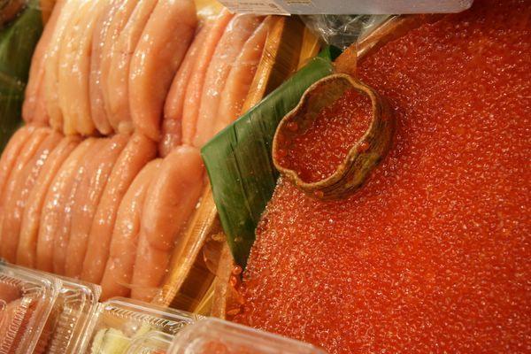 Sogo北海道物產展 -- 好多明太子 & 鮭魚子啊!!