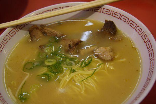 金龍拉麵 -- 拉麵