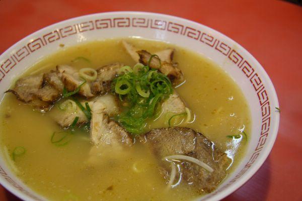 金龍拉麵 -- 叉燒麵