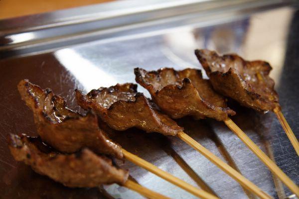 秋吉 -- 烤牛舌 (牛タン)