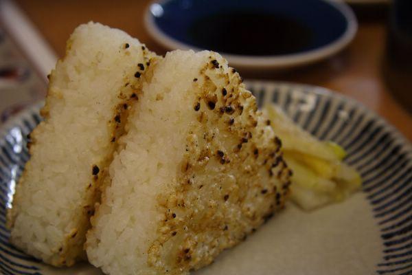 秋吉 -- 烤飯糰 (焼おにぎり)