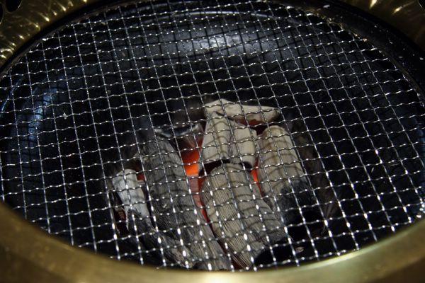 金泉苑 -- 烤網