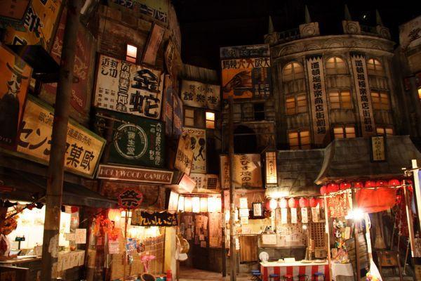 道頓堀極樂商店街 -- 有點像身處片場一樣