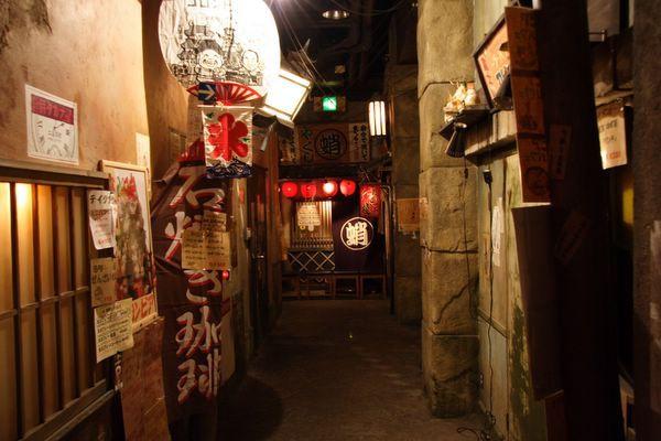 道頓堀極樂商店街 -- 窄巷中藏著咖啡店和明石燒