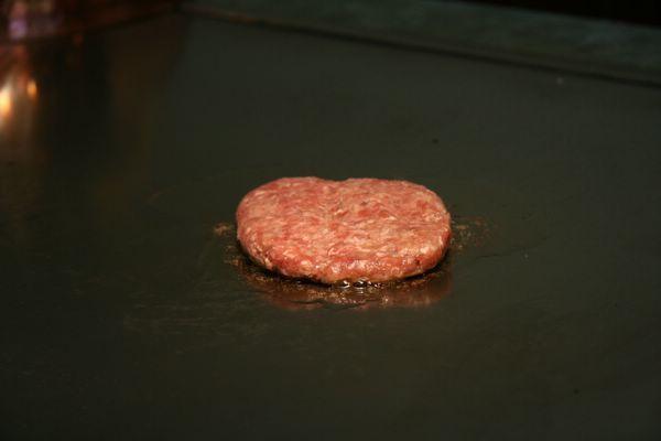 Tor Road Steak Aoyama -- 別人點的漢堡排