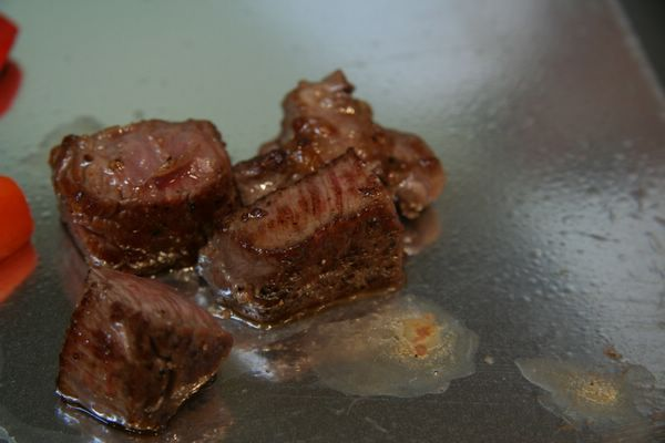 Tor Road Steak Aoyama -- 牛排特寫