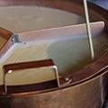 南禪寺順正 -- 沿著鍋邊劃過