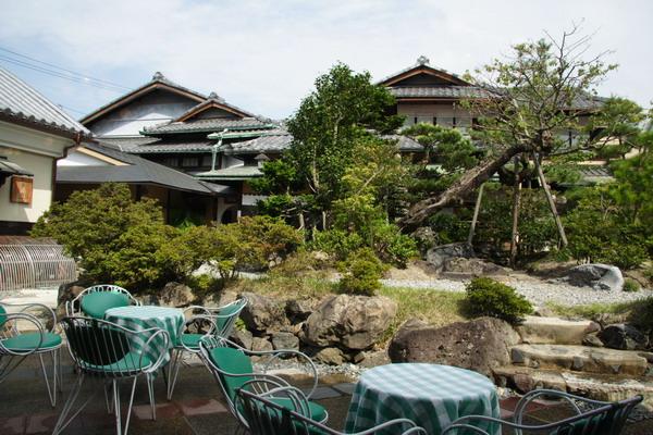 Inoda's Coffee -- 窗外的庭園